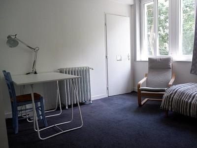 CHAMBRE A LOUER - LAMBERSART - 16,55 m2 - 450 € charges comprises par mois