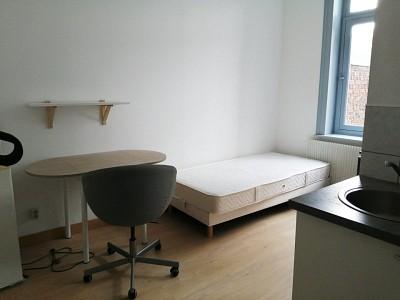 STUDIO A LOUER - LILLE ESQUERMES - 12 m2 - 400 € charges comprises par mois