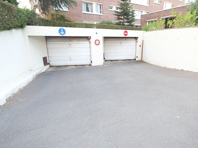 GARAGE A LOUER - LILLE VAUBAN - 75 € charges comprises par mois