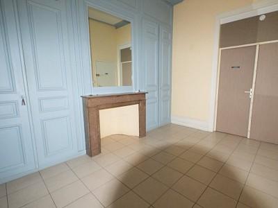 APPARTEMENT T3 A LOUER - LILLE VAUBAN - 54,92 m2 - 940 € charges comprises par mois