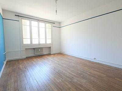 APPARTEMENT T3 A LOUER - LILLE REPUBLIQUE - 66,7 m2 - 1080 € charges comprises par mois