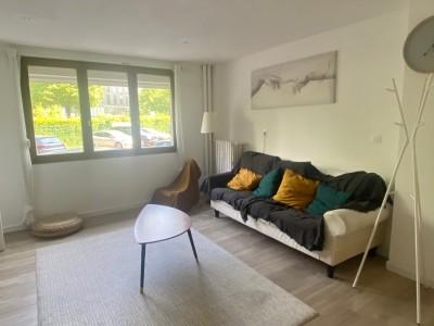 APPARTEMENT T5 A LOUER - LILLE GARES - 88,97 m2 - 2007 € charges comprises par mois