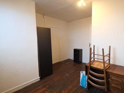 CHAMBRE A LOUER - LILLE FIVES - 11 m2 - 330 € charges comprises par mois