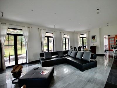 MAISON A VENDRE - HALLUIN Loisel proche Mont - 325 m2 - 729000 €